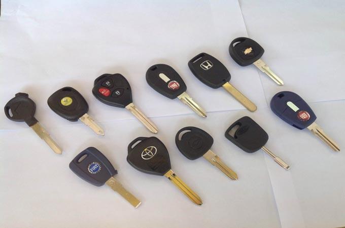 Chaves de diversos marcas de carro