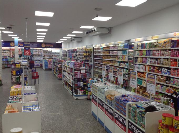 farmácia de frente a praça de miguel couto