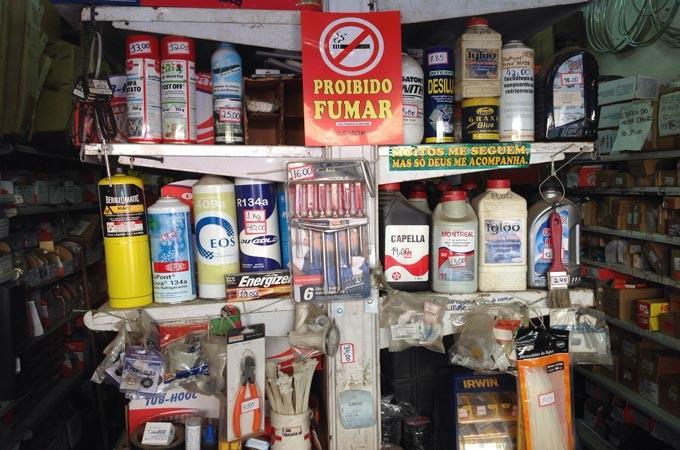 óleos, lubrificantes e outros materiais para reparo